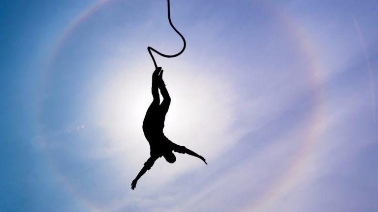 Un saut à l'élastique peut-il vous sauver la vie